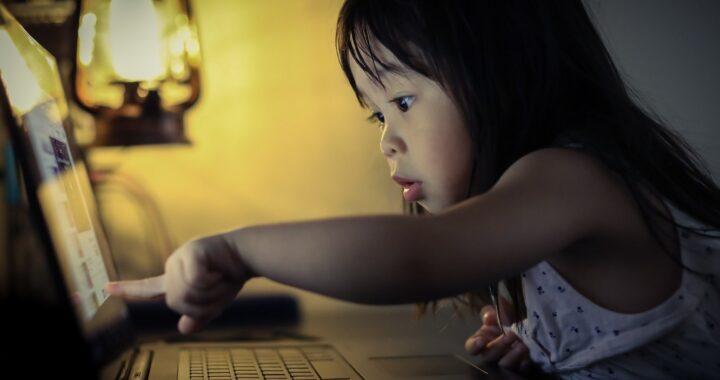 """5 kênh Youtube cực thú vị """"Chơi Mà Học"""" cho bé"""