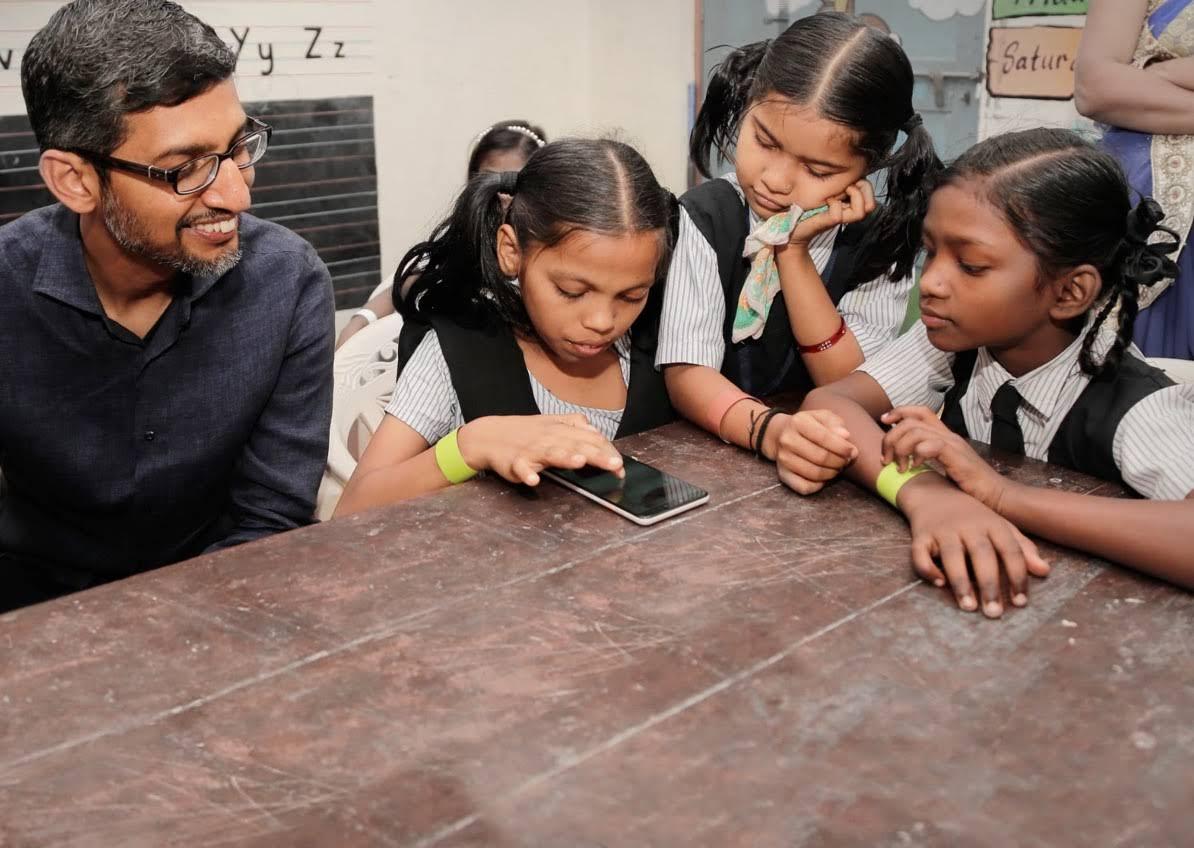 Trẻ em Ấn Độ tìm hiểu